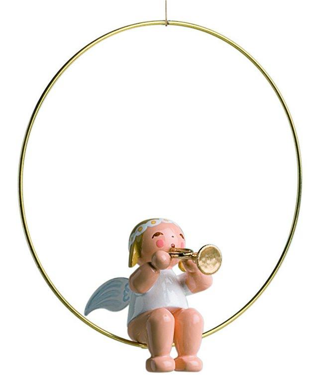 Margeritenengel im Ring mit Trompete