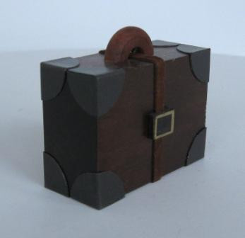 koffer gro erzgebirgskunst drechsel. Black Bedroom Furniture Sets. Home Design Ideas