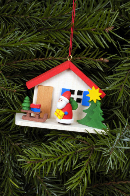 Baumbehang Weihnachtsmann am Haus