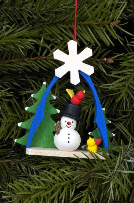 Baumbehang Schneemann im Bogen