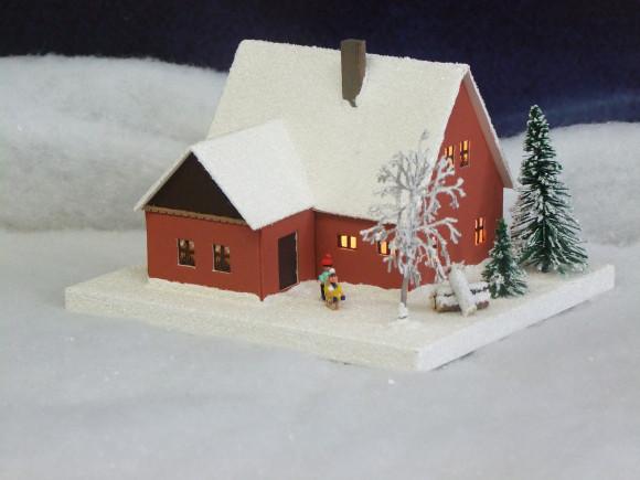 Lichterhaus Erzgebirgshaus mit Kindern klein