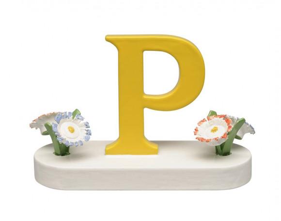 Buchstabe P mit Blumen