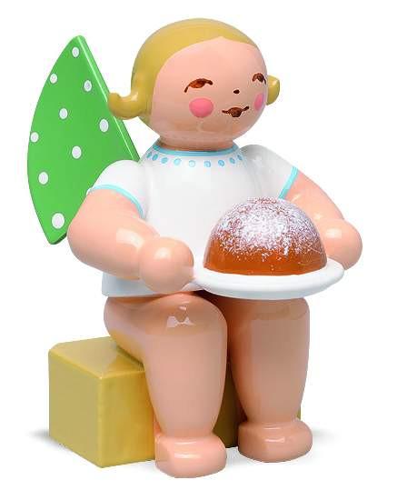 Engel klein mit Kuchen, braunes Haar