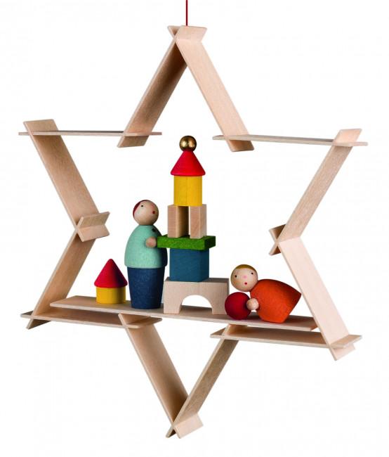 Baumbehang Kinder mit Spielzeug