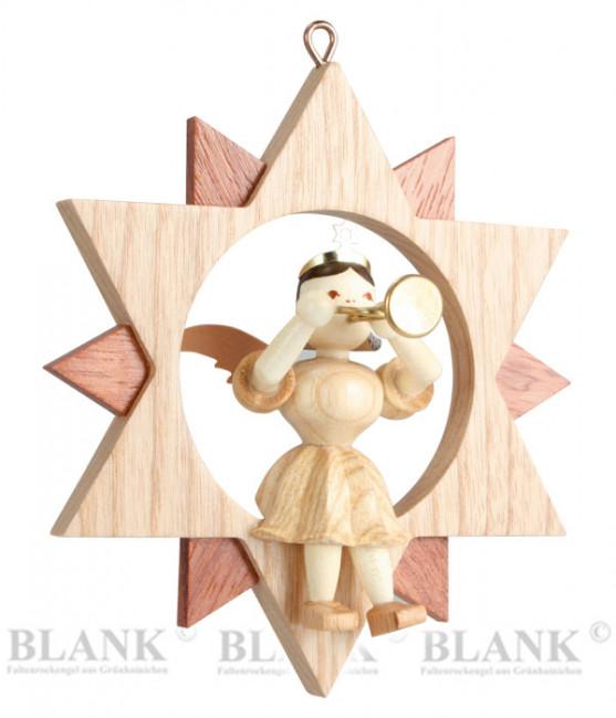Engel sitzend mit Trompete im Stern