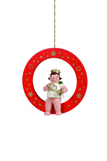 Engel mit Waldhorn im roten Ring
