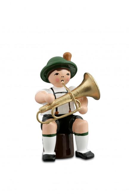 Musikant sitzend mit Tuba