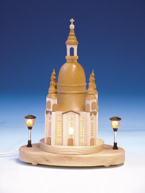 Lichterhaus Frauenkirche mit beleuchteten Laternen