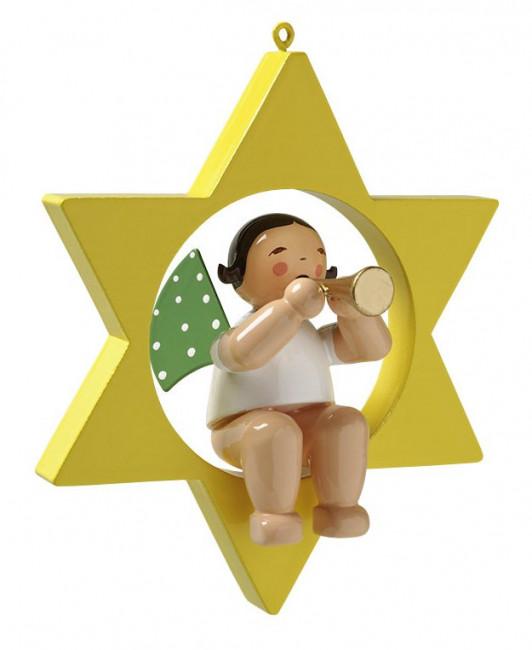 Engel mit Flöte im Stern