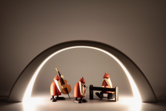 LED Lichterbogen  mit Innenbeleuchtung und Weihnachtsmannband, weiß