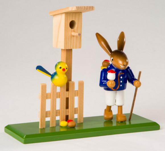 Osterhase mit Vogelhaus
