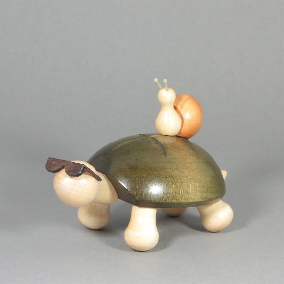 Schildkröte Fred mit Schnecke