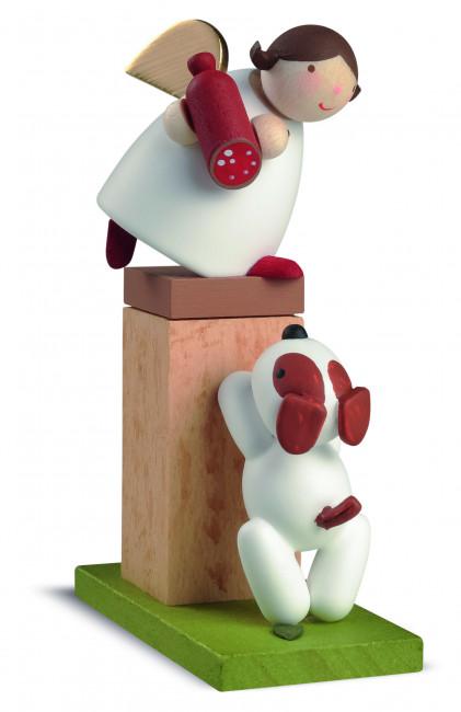 Schutzengel auf Sockel mit Hund