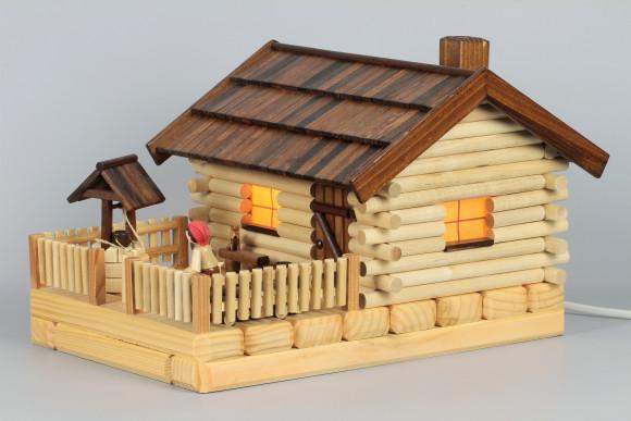 Lichterhaus Räucherhaus Blockhütte Bauernhof mit Figur