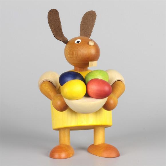 Hase mit Pinsel und Osternest, gelb, 11 cm