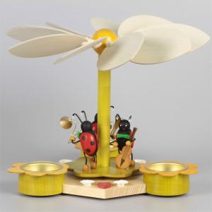 Osterpyramide mit Käfermusikanten
