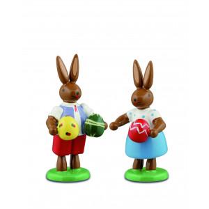 Hasenpaar mit Ostereier