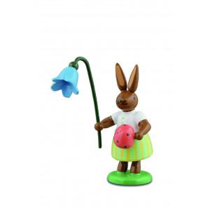 Hase mit Ei und Glockenblume
