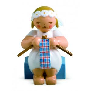 Margeritenengel sitzend mit Strickzeug