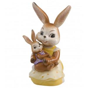 Osterhase Kuscheln mit Mama