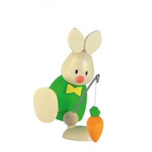 Osterhase Kaninchen Max mit Angel und Möhre