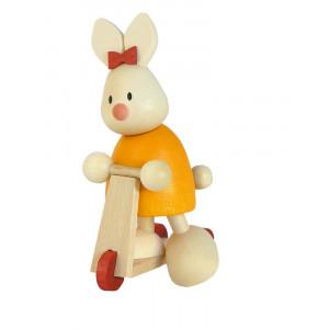 Osterhase Kaninchen Emma auf Roller