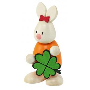 Osterhase Kaninchen Emma mit Kleeblatt