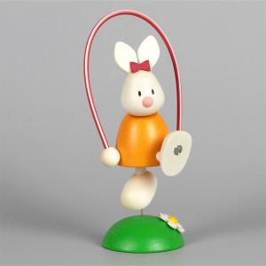 Osterhase Kaninchen Emma mit Sprungseil