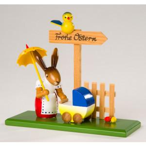 Osterhäsin mit Kinderwagen