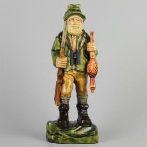 Geschnitzter Jäger farbig, 33 cm