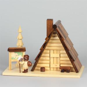 Räucherhaus Schutzhütte mit Figur