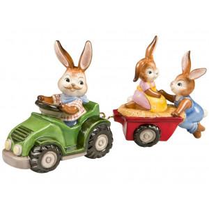 Osterhasen Eine lustige Traktorfahrt