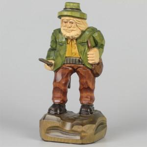 Geschnitzter Jäger farbig, 19 cm