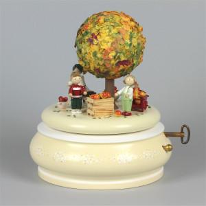 Spieldose Der alte Apfelbaum Herbst