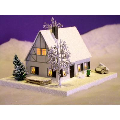 Lichterhaus Erzgebirgshaus mit Fachwerk klein