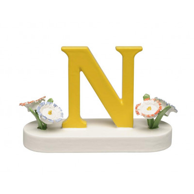 Buchstabe N mit Blumen