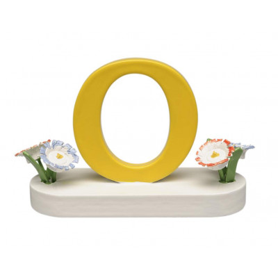 Buchstabe O mit Blumen