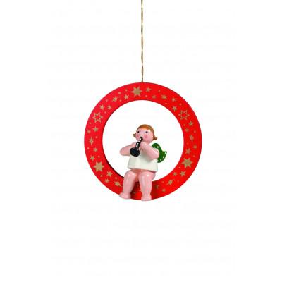 Engel mit Flöte im roten Ring
