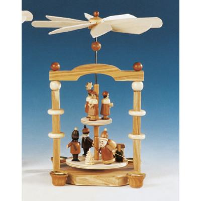 Säulenpyramide mit Weihnachtsmann