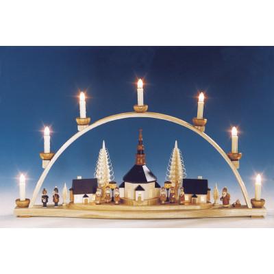 Schwibbogen Seiffener Kirche mit beleuchteten Laternen