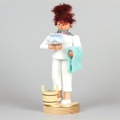Räucherfrau Fußpflegerin