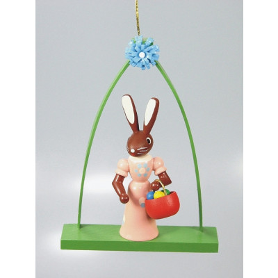 Baumbehang Stehende Hasenfrau im Bogen
