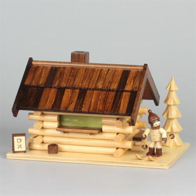 Räucherhaus Blockhütte Skihütte mit Figur
