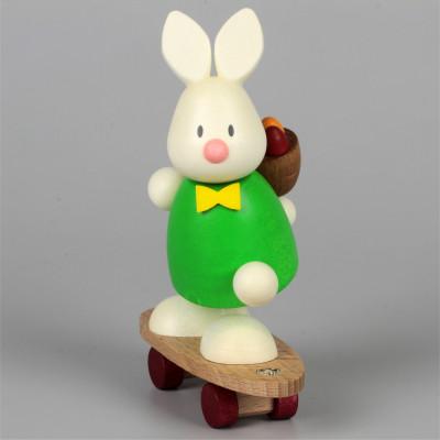 Osterhase Kaninchen Max auf Skateboard