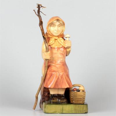 Geschnitzte Pilzfrau farbig, 24 cm