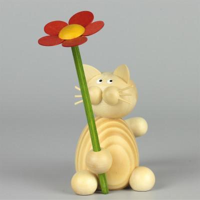 Kater Moritz mit Blume