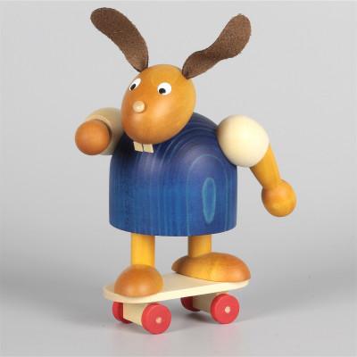 Hase mit Skateboard, blau, 11 cm