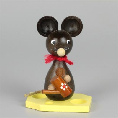 Mäusekind mit Gießkanne