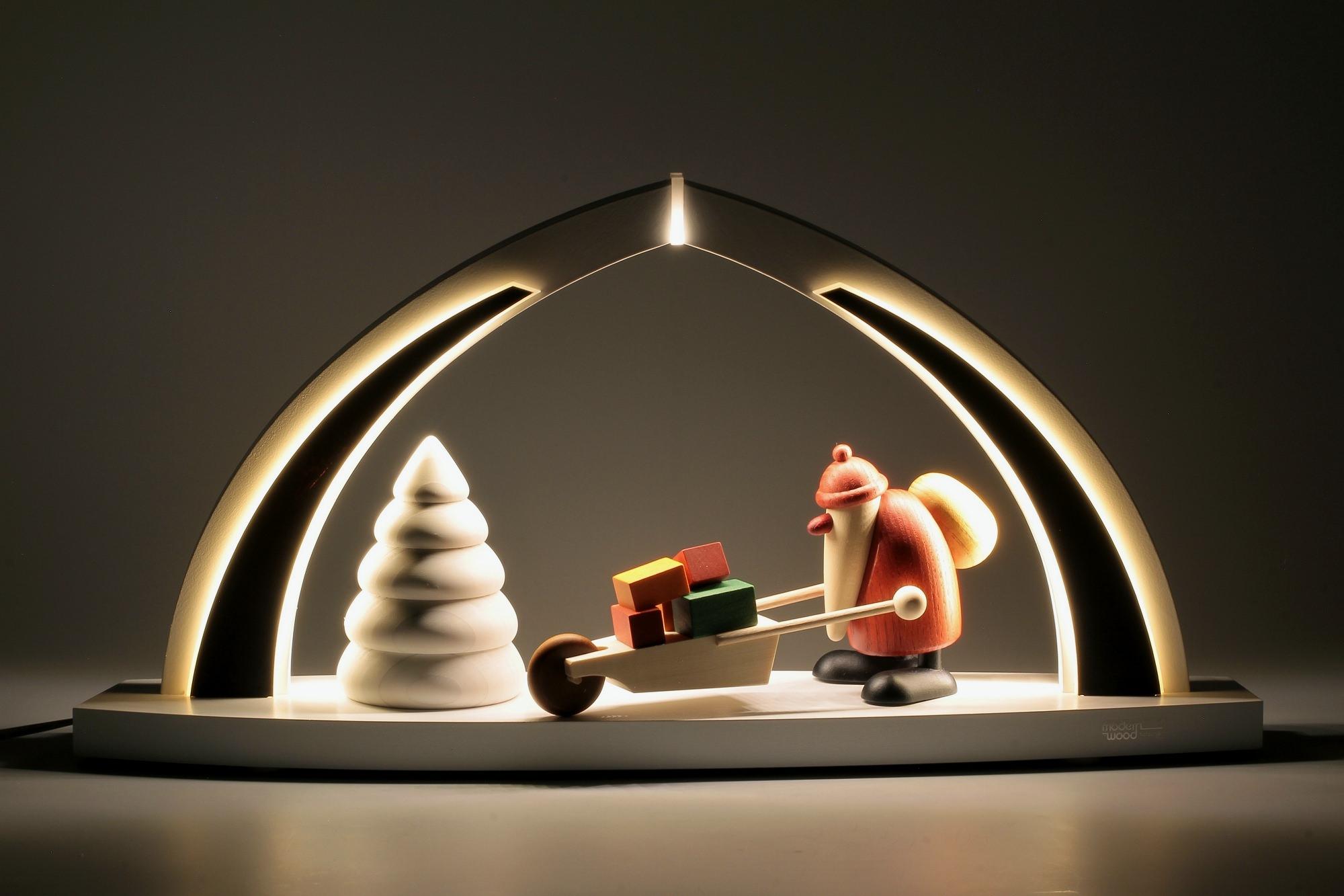 LED-Schwibbogen mit Bjoern Köhler Weihnachtsmann mit Geschenken
