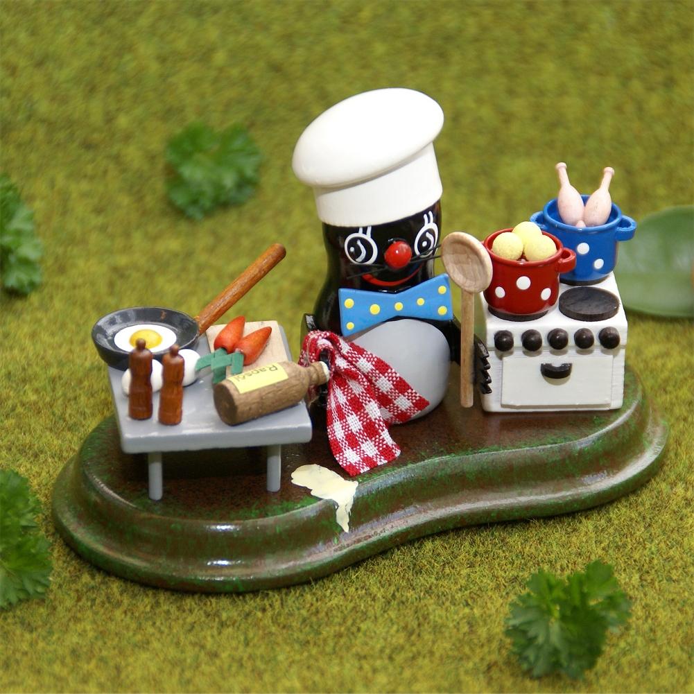 Holzminiatur Maulwurf Koch in der Küche